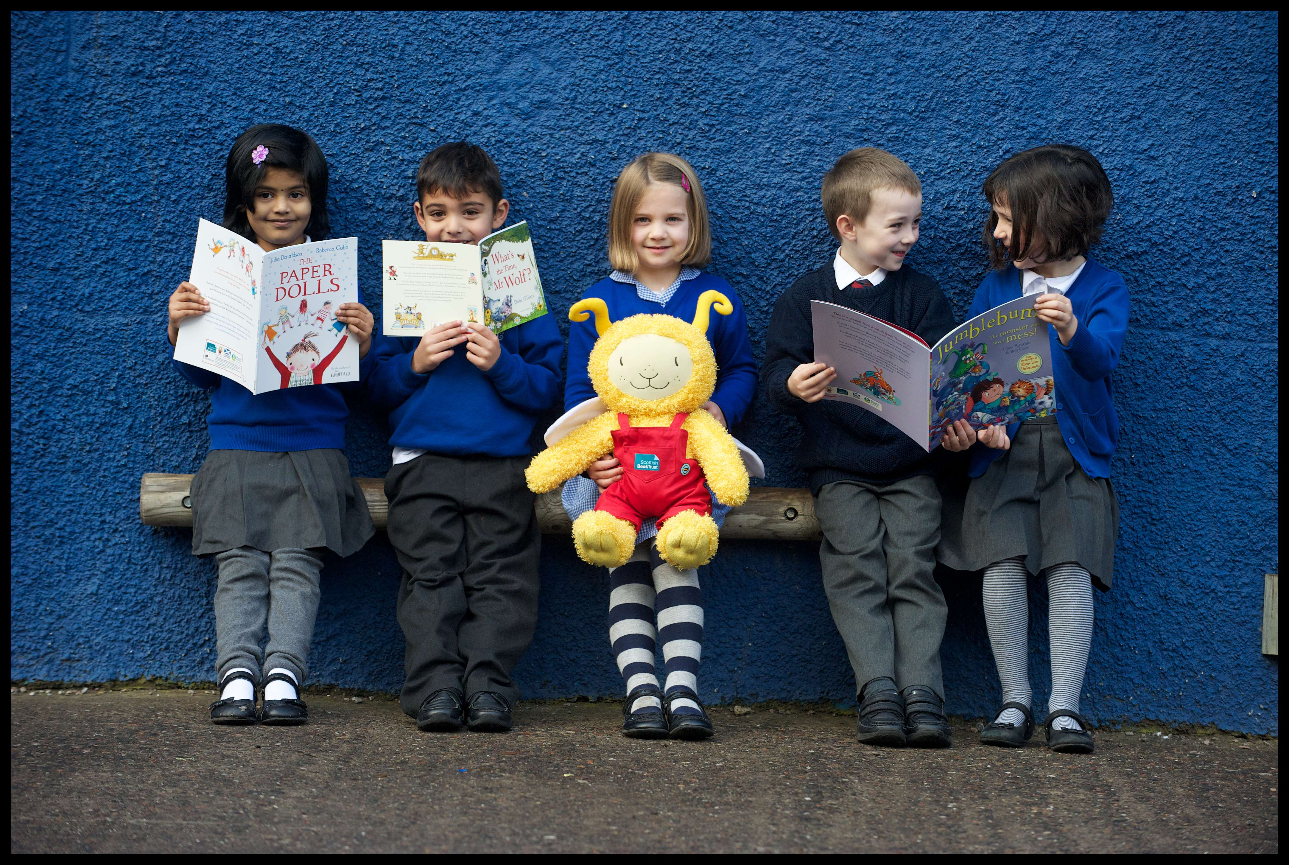 'Children at Dalry Primary School receive their Bookbug Primary 1 Family Packs (credit Rob McDougall)